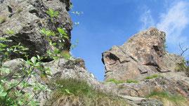 La Porta, il passaggio tra due rocce che dà il nome alla gita