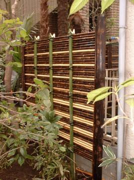 御簾垣黒竹とサラシ竹のミックス