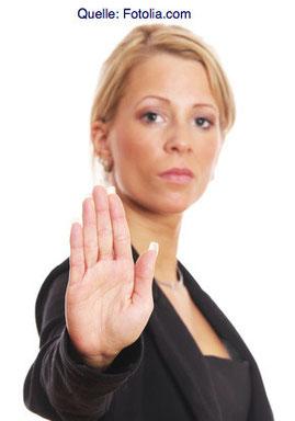 Die meisten sexuellen Übergriffe finden im häuslichen Umfeld und durch bekannte Personen statt. Ziehen Sie energisch Ihre Grenzen!