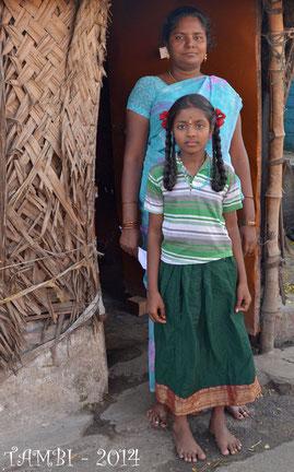 Pavithra, notre première filleule, et sa mère - Fév. 2014