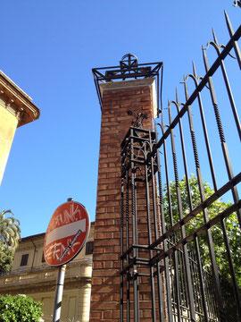 イタリア ローマ の角柱