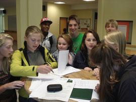 Reges Interesse bei der Eintragung für die Wahl der Schulsprecher (die Vorstellung der Kandidaten und die Wahl wird noch vor den Herbstferien durchgeführt (die Wahl am 1. oder 2. Oktober).