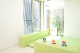 筑紫野市にある歯医者 安田歯科・矯正歯科医院では子供さんも楽しく安心して歯医者さんへ通えるような歯科医院づくりを行っています。