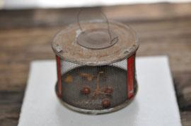 ブリキの蛍籠