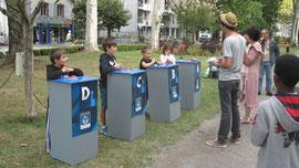"""Questions pour des champions olympiques """"avec des buzzers"""" au jardin public, mercredi 19 sept. 2012."""