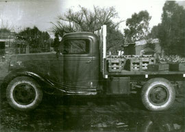 Ford V8 modelo 36  petenecio al Sr. SCROCHI Soderia Penna