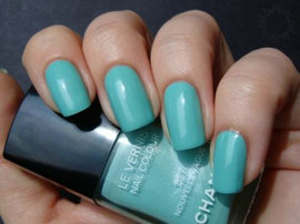 Turquoise nail polish