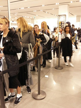 Queues in Zara.........