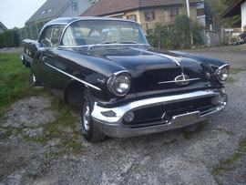 1957 Oldsmobile Holiday Sedan