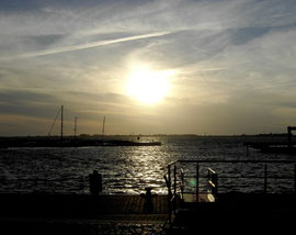 Sonnenuntergang im Hafen von Wiek/Rügen