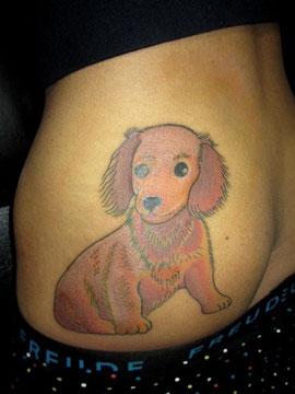 犬のタトゥー
