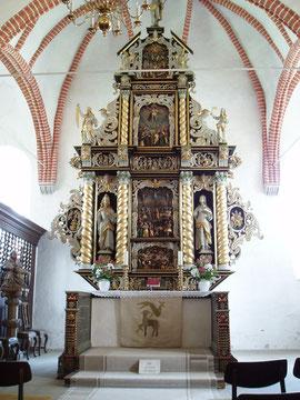 Hauptaltar von 1665 (Bildhauer: Jürgen Heidtmann)