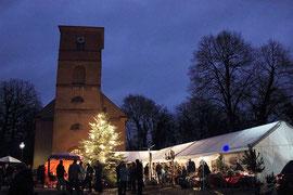 Weihnachtsmarkt in Netzeband - bl. Pkt. unser Stand