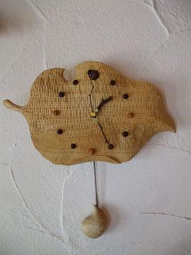 木の葉の振り子時計