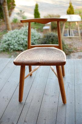 木の椅子 軽い 女性向き 小振り