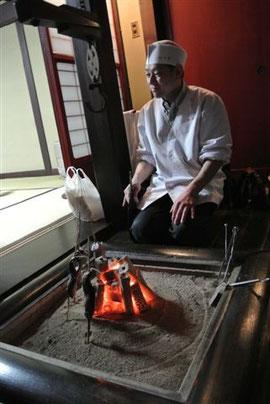 囲炉裏で焼く岩魚は格別