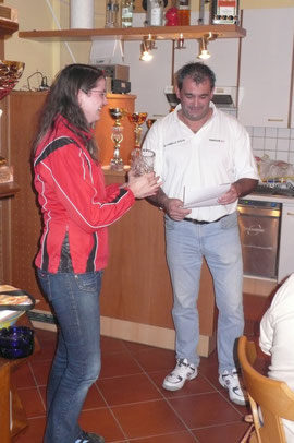 Siegerin Jasmin Mairhofer und Obmann Udo Derfler