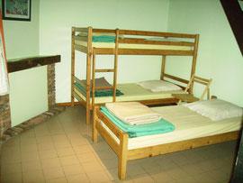 La chambre verte à 3 lits du gîte d'étape