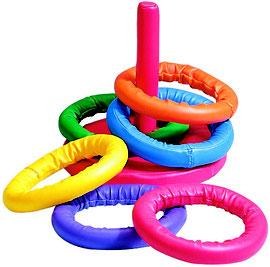 Jeu de lancer d'anneaux en mousse à acheter pas cher comprenant 6 anneaux, 1 poteau et une base. Anneaux multicolores faciles à attraper.