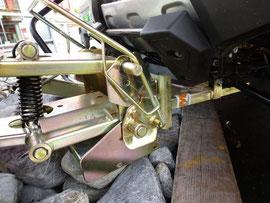Montageplatte und Adapter für Schneeschild