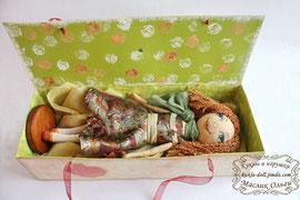 "<img src=""http://kukla-doll.jimdo.com/куклы-галерея/тыквоголовые-куколки/"" alt=""упаковка для куклы коробка 2″ />"