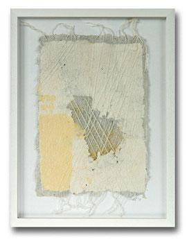 Handgeschöpfte Papiercollage, gespannte  Fäden und Sisaleinlagerungen, 30 x 40 cm