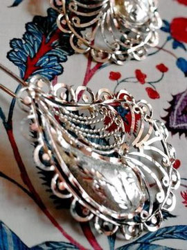 Indian, handcrafted, sterling-silver, paisley-shaped earrings with filigree and etched solid-fill