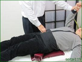 変形性膝関節症は骨盤矯正と股関節の調整が必要です