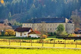 Ehemalige Kloster und Volksschule Waisach