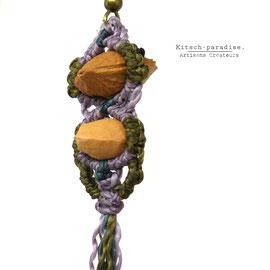 kp kitsch-paradise artisans créateurs création tissage macramé micromacramé couleur nature art boucles d'oreille graine noyaux cerise prune