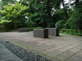 喫茶室の前庭