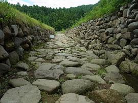 復元された石畳道