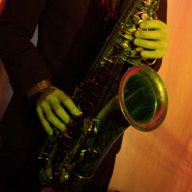 Saxophonist für Ihre Veranstaltung: Firmenevent, Hochzeit, Geburtstag