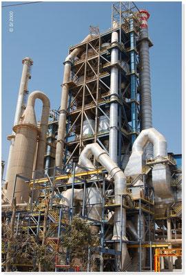 MAROC - Tour de préchauffage métallique, 100 m de hauteur (charpentes, cheminées, supports matériel)