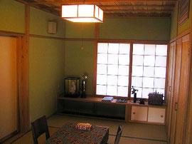 和室・寝室横 書斎・右壁面収納庫(クローゼット・和箪笥)