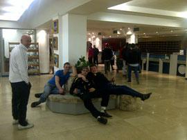 Die Jungs in der Lobby