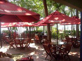 Der Aufenthaltsbereich des Fughafens in Santa Marta - hier macht das Warten Spaß!