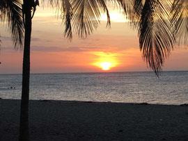 Die Playa Salguero/Rodadero am Abend