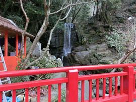 *鈴ヶ滝(落差10M)
