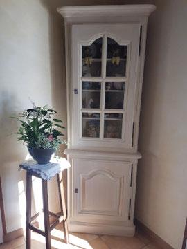 Relooking meuble d'angle vitrine la Métamorphose du Temps