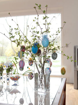 L´arbre de Pâques de Pia... avec des oeufs décorés par toute la famille