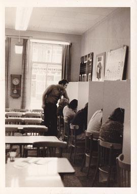 Kijkje in de studiezaal.