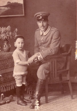 Julius Evers mit seinem Sohn Ernst