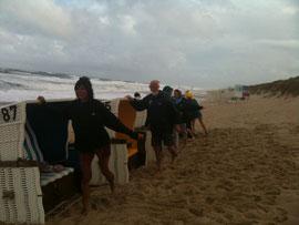 Strandgymnastik bei jedem Wetter auf Sylt 2011