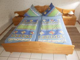 Doppelbett mit 180 x 200 cm Liegefläche