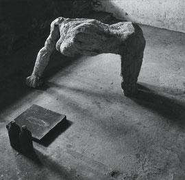 Und gebenedeiet seist du unter den Weibern, 1986, Lindenholz, Bronze, Blei, 140 x 74,9 x 120 cm