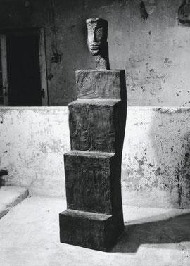 Der Kult, 1995, Bronze, 6 Exemplare, Höhe 190,2 cm