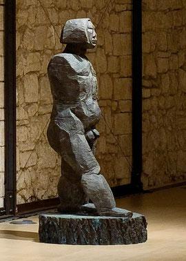 Mada II, 2001, Bronze, 214 x 100 x 100 cm