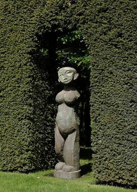 Ohne Titel (Ja'an), Bronze, 2002, 178 x 46 x 45 cm