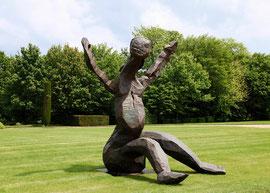 Entwurf für eine große Figur I, 2003/2004, Bronze, 246 x 250 x 200 cm